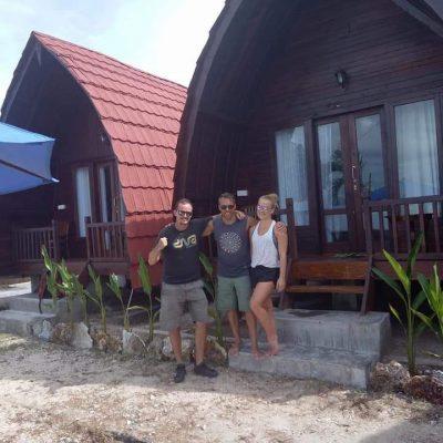 rumah kayu melengkung